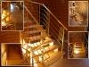 Деревянная лестница с комбинированными ограждениями