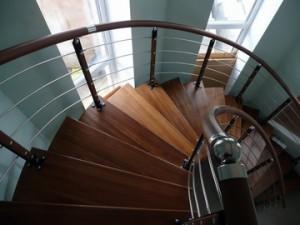 Комбинированные лестницы на заказ